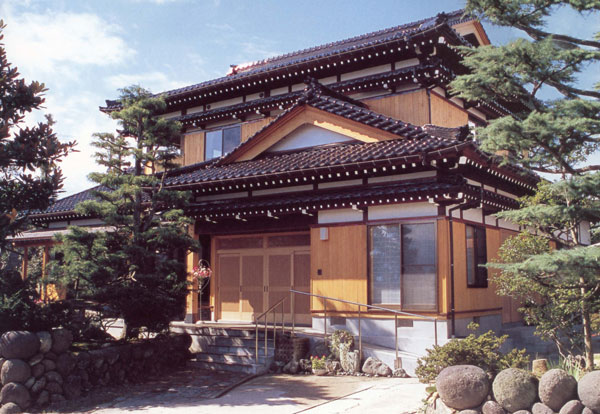 日本家屋の美しさを追求した外観